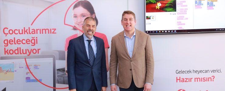 Vodafone'dan 'Yarını Kodlayanlar' Projesiyle Mersin'de 300 Çocuğa Kodlama Eğitimi