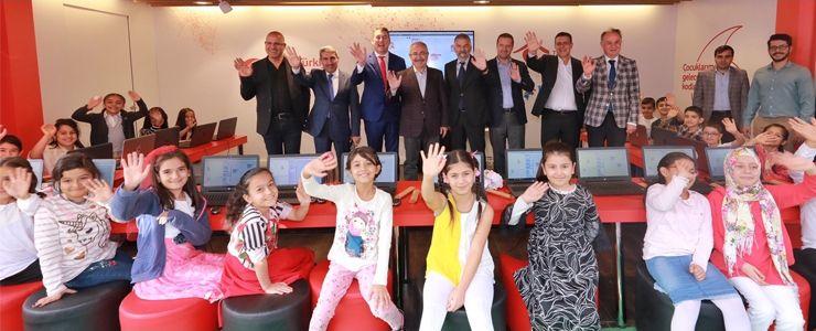 Vodafone'un kodlama seferberliği Mardin ile devam etti
