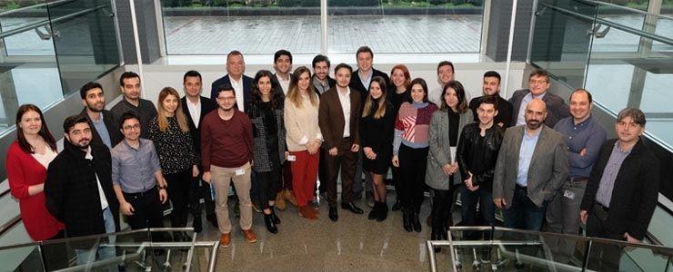 Mercedes-Benz Türk Tersine Mentorluk Programı'nı hayata geçirdi