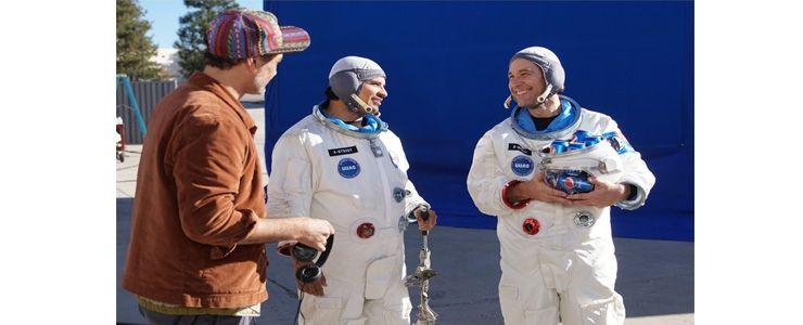 Paul Rudd ile Michael Peña yeni Pepsi reklam filminde astronot kılığına girdi